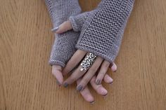 Knitting Pattern for Heaven Mitts - Fingerless mitts in sizes S-M-L. Designed by Julie Partie Knitting Pattern for Heaven Mitts - Fingerless mitts in sizes S-M-L. Designed by Julie Partie Fingerless Gloves Knitted, Crochet Gloves, Knit Mittens, Knit Crochet, Crochet Granny, Mittens Pattern, Tunisian Crochet, Loom Knitting, Knitting Patterns Free