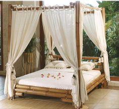 letto baldacchino in bambù