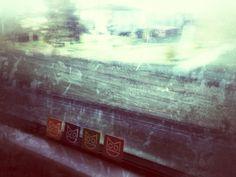 Sul treno... Il White e il Super ci attendono! E noi lasciamo traccia del nostro Smile Mood che già veste PRIMAVERA!!