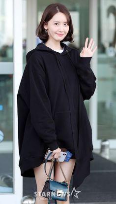 Korean Fashion Dress, Fashion Dresses, Airport Fashion Kpop, Yoona Snsd, 1 Girl, Airport Style, Girls Generation, Kpop Girls, Asian Beauty