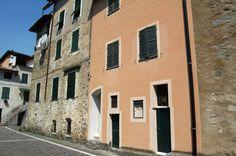 Rocchetta Nervina (IM), Piazza Don Antonio Viale