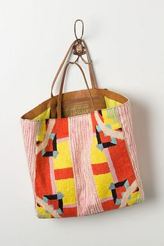 Driftwood Textiles Tote. Guess who ships to Turkeyyyy! #anthropologie