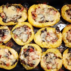 Potato skins are a great finger food for every occasion! This recipe for steak and mushroom potato skins are sure to be a hit at every party or meal. Egg Free Recipes, Quick Dinner Recipes, Potato Skins, Seafood Recipes, Meat Recipes, Cooking Recipes, Steak Potatoes, Baked Potatoes, Steak And Mushrooms