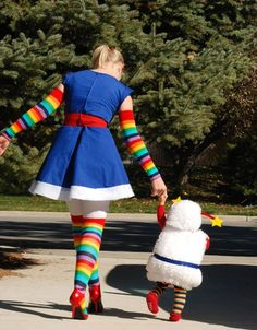 Rainbow Brite and Twink costumes! melissa_matuza Rainbow Brite and Twink costumes! Rainbow Brite and Twink costumes! Halloween Stories, Halloween Week, Fete Halloween, Diy Halloween Costumes, Halloween Clothes, Baby Halloween, Mother Daughter Halloween Costumes, Rainbow Brite Halloween Costume, Zombie Costumes