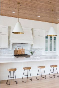 Bright, modern kitchen