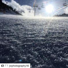 """1,320 mentions J'aime, 10 commentaires - Courchevel - Station de ski (@courchevel_officiel) sur Instagram: """"Repost du jour / Repost of the day #courchevel #snow #cvlmoment #bluebirdlights…"""""""