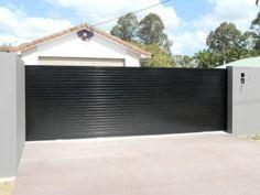 37 Ideas Automatic Garage Door Driveway Gate For 2019 Automatic Gate Opener, Automatic Garage Door, Front Gates, Entrance Gates, Front Fence, Sliding Gate Opener, Sliding Doors, Electric Sliding Gates, Painted Exterior Doors