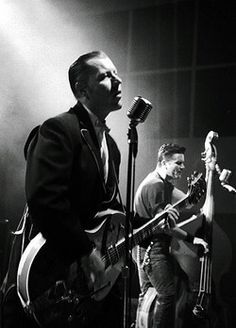 swingxheilxkid: I was a sinner until I saw the Reverend Horton Heat.