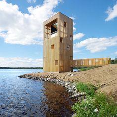 Au bord du lac finlandais Kyrösjärvi se dresse une tour en bois permettant d'observer la nature environnante d'en haut comme d'en bas. Conçue par les architectes de l'agence OOPEAA, la Periscope tower introduit un dialogue inédit entre le...