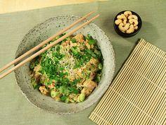 Pad thai | Recept från Köket.se Wok, Guacamole, Risotto, Pasta, Lunch, Snacks, Dinner, Ethnic Recipes, Curry Recept