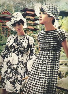 Seventeen magazine, March as candy sticks, black and white spells beauty in the Japanese Tea Garden at Golden Gate Park in San Francisco. 60s And 70s Fashion, 60 Fashion, Fashion History, Retro Fashion, Vintage Fashion, Womens Fashion, Fashion Trends, Dress Fashion, 1960s Dresses
