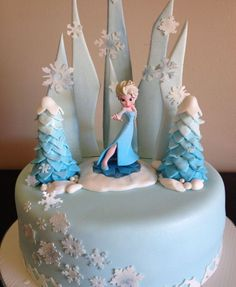 Frozen Themed Cake | via Styles Time