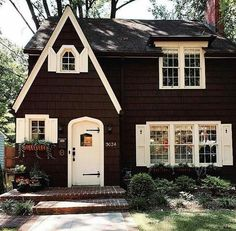 Washington, DC - Looks like it's made of chocolate! Cozy Cottage, Cottage Homes, Cottage Style, Little Cottages, Little Houses, Cabana, Cute House, House Goals, Victorian Homes