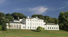 Kenwood House in Hampstead Heath is a fantastic London Venue! Kenwood House, Hampstead Heath, Hampstead London, Visit Britain, English Manor Houses, British Country, House Viewing, English Heritage, Landscaping