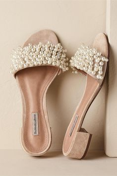 hochzeitsschuhe stiefel Wedding Shoes That Arent Heels, For Brides Who Put Comfort Above All Else - - Terlik - Cowgirl Wedding, Wedding Boots, Cute Shoes, Me Too Shoes, Fashion Models, Fashion Shoes, Shoe Boots, Shoes Sandals, Heeled Sandals