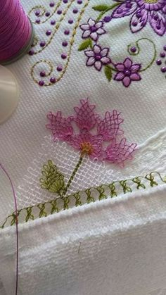 This Pin was discovered by Sev Crochet Wall Hangings, Crochet Bedspread, Brazilian Embroidery, Needle Lace, Lace Making, Bargello, Hand Embroidery Designs, Fabric Art, Tatting