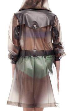 Stylish Rain coat For Women - Long Rain coat Outfit - - Yellow Rain coat Aesthetic Vinyl Raincoat, Pvc Raincoat, Plastic Raincoat, Plastic Pants, Hooded Raincoat, Raincoat Outfit, Green Raincoat, Raincoat Jacket, Short Hair