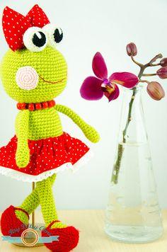 Sally, The Frog by ItsyBitsyAmi, Amigurumi