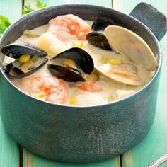 Creamy Seafood Chowder Chowder Recipes, Soup Recipes, Cooking Recipes, Souper Bowl, Shellfish Recipes, Skillet Dinners, Soups And Stews, Italian Recipes, Seafood