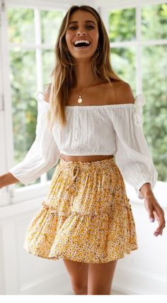 35 Spring Clothes For Ending Your Summer - Women Fashion Trends - Outfits for Summer - Modetrends Mode Outfits, Dress Outfits, Fashion Outfits, Floral Outfits, Womens Fashion, Fashion Clothes, Fashion Fashion, Skirt Fashion, Fashion Ideas