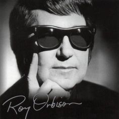 September 1968 - Roy Orbison Fire: Tragedy struck near Nashville, TN when Roy Orbison's home burnt down. Orbison's young sons, Roy DeWayne Orbison and Tony Orbison perished in the fire that destroyed the family home on Old Hickory Lake. Roy Orbison, A Love So Beautiful, Beautiful Voice, Country Love Songs, Country Music, Southern Men, Travelling Wilburys, 60s Music, Live Wire