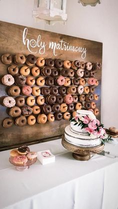 4 Tips To Style A Wedding Dessert Table And 25 Ideas - Christina G - . 4 Tips To Style A Wedding Dessert Table And 25 Ideas - Christina G - . 4 Tips To Style A Wedding Dessert Table And 25 Ideas - Christina G - Perfect Wedding, Diy Wedding, Wedding Ceremony, Dream Wedding, Wedding Hacks, Wedding Tips, Quirky Wedding, Trendy Wedding, Wedding White