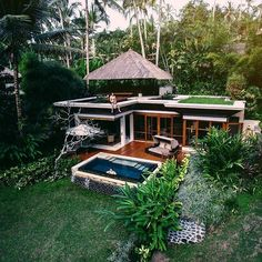 Perched on the edge of the world : @georgiama_ #riverfrontvillas #ubud #fourseasonsbali
