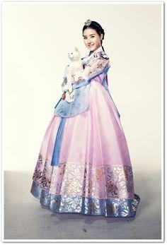Horse doctor kim so eun Korean Hanbok, Korean Dress, Korean Outfits, Korean Traditional Dress, Traditional Fashion, Traditional Dresses, Oriental Fashion, Asian Fashion, Girl Fashion