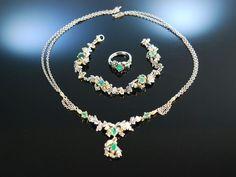 Tegernsee um 1930! Trachten Schmuck Set Smaragd Silber Gold 585 Collier Armband und Ring mit Eichenlauch Dekor, wunderschön zu Tracht und Dirndl, traditioneller Trachten Schmuck bei Die Halsbandaffaire