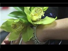 How to Make Wrist Corsages