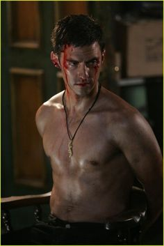 Milo Ventimiglia or Peter Petrelli for those Heroes fans amongst us.... Now here is a topless hero who can rescue the heck out of me ....