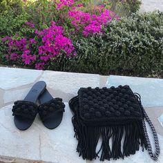 Hera sandals & Britta fringed bag 💕#summeressentials #urbanqueenbags #urbanqueensandals Fringe Bags, Summer Essentials, Spring Summer, Urban, Queen, Sandals, Fashion, Moda, Fringe Purse