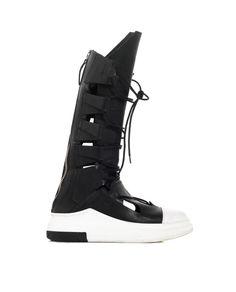 CINZIA ARAIA HIGH LEATHER SNEAKERS S/S 2016 Black leather sneakers high leg with openings lace-up back zipper closure white rubber sole: 4,5 cm
