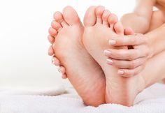角質ケアでかかと&足の裏もすべすべ!トータルな足美人を目指しましょう|ビューティーパーク