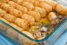 Tater Tots Casserole with Ground Beef & Topped with Cheddar Cheese. Simple 5 ingredient #recipe perfect for a weeknight #dinner.