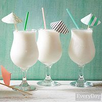 Coconut Daiquiris - Rachael Ray In Season Party Drinks, Cocktail Drinks, Fun Drinks, Healthy Drinks, Cocktail Recipes, Refreshing Summer Cocktails, Summer Drinks, Summertime Drinks, Drinks Alcohol Recipes