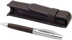 Pennenset. Exclusief design met leder beklede balpen met imitatieleren pennenetui in Balmain geschenkverpakking (15 x 3,5 x 3 cm). Metaal en leer.  Graveren - 6 mm x 35 mm - BP clip - top right / On cap between left & right edge