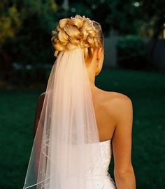 wedding hairstyles for short hair with veil 7 - pictures, photos, images