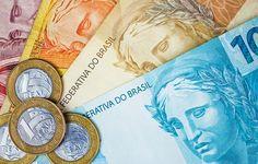Brazilian money and coins on a table. Mini Pizzas, Como Fazer Mini Pizza, Thing 1, Pet Shop, Macarons, A Table, Coins, Neon, Money Paper