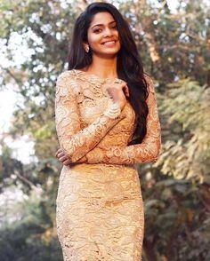 Beautiful Saree, Stunning Dresses, Most Beautiful Indian Actress, Beautiful Actresses, Pooja Sawant, Girl Number For Friendship, Saree Photoshoot, Photography Poses Women, Latest Images
