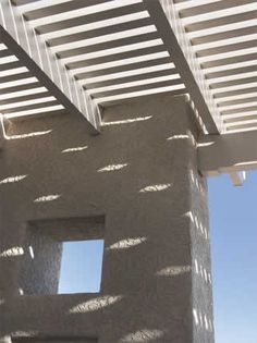 Close up of Allumawood shade ramada and support column | 2004 ALCA Judges Award