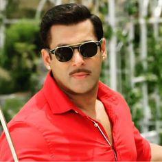 Salman Khan Photo, Shahrukh Khan, Atif Aslam, Bollywood, Mens Sunglasses, Handsome, Big Big, Actresses, Actors