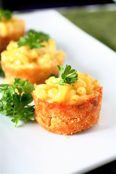 Mac 'n cheese cups with a Ritz crust