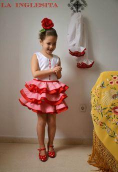 adorable girl's flamenco dress // la inglesita \ all in Spanish :( It's a skirt.