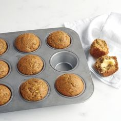 Muffin Mania: 27 Recipes for Breakfast Baked Goods