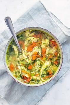 Makkelijke kippensoep - In 30 minuten klaar - Leuke recepten Baked Chicken Recipes, Pasta Recipes, Soup Recipes, Cooking Recipes, Healthy Recipes, Bruchetta Recipe, Pcos, Vegetarian Recepies, Soup Appetizers