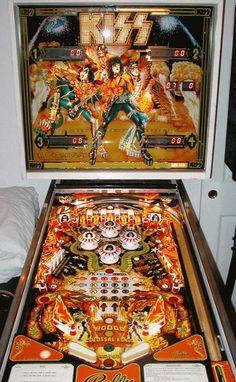 Pinball Games, Pinball Wizard, Arcade Games, Kiss Logo, Arcade Room, Vintage Kiss, Best Rock Bands, Vintage Video Games, Machine Video