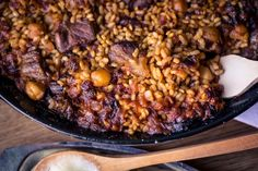 Arroz con garbanzos y carrillera con all-i-oli de membrillo