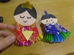 23 Easy Paper Quilling Ideas For Kids – Quilling Techniques Crafts To Do, Crafts For Kids, Arts And Crafts, Japan For Kids, Hina Matsuri, Japan Crafts, Quilling Techniques, Art N Craft, Quilling Designs