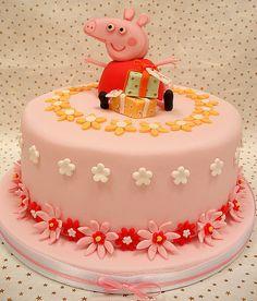 Peppa Pig Cake by neviepiecakes, via Flickr